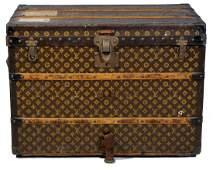 88: Louis Vuitton medium sized steamer trunk