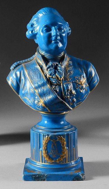 20: Louis XVI, roi de France. Buste en porcelaine bleu,