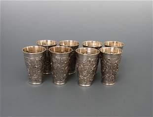 Acht Weinbecher, 800er Silber, innen vergoldet