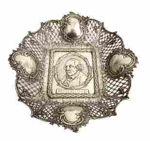 Große Schale mit Porträt Friedrich d. Großen