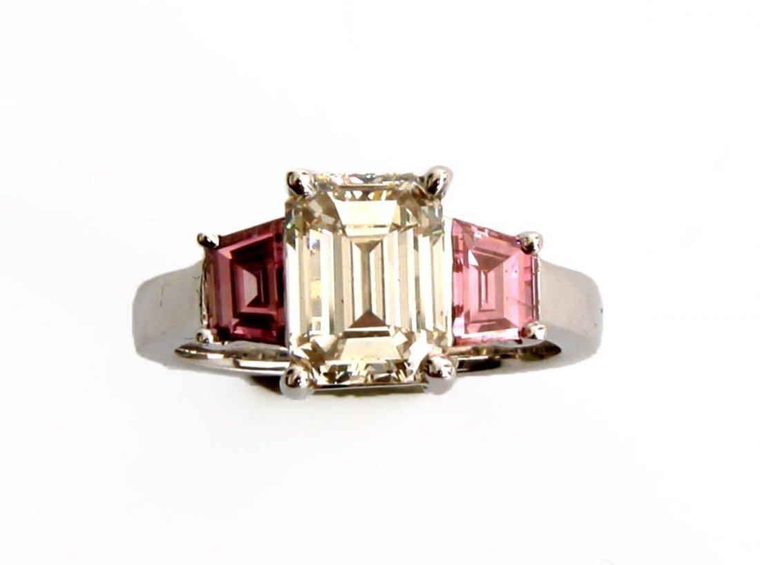 Ring mit Diamant 3,0 ct.,  Emerald-Cut