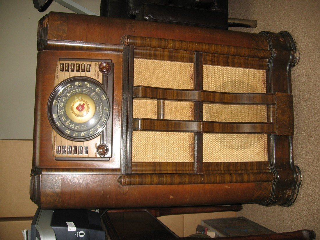 Crosley Jukebox/Radio Model 106CP