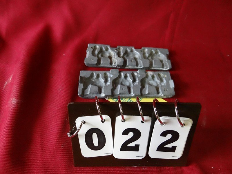 LEAD MOLD FOR 3 CAMELS - #16 - 2''L x 2''H MOLD (EACH