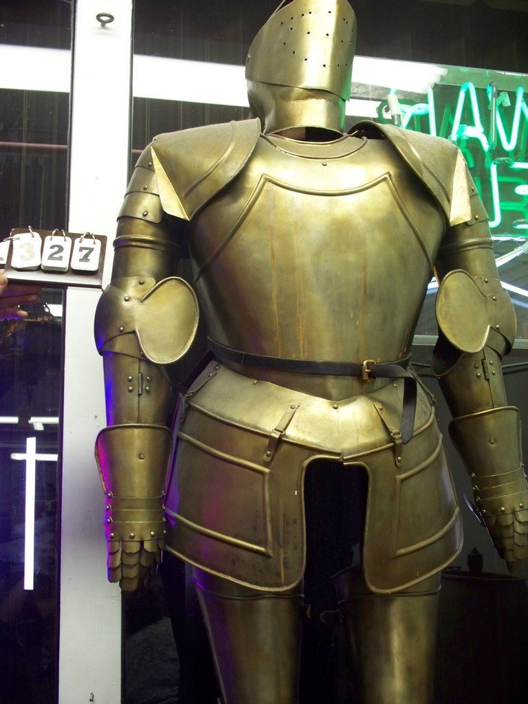 BRASS FULL KNIGHTS ARMOR - 6'TALL (ON DISPLAY STAND)