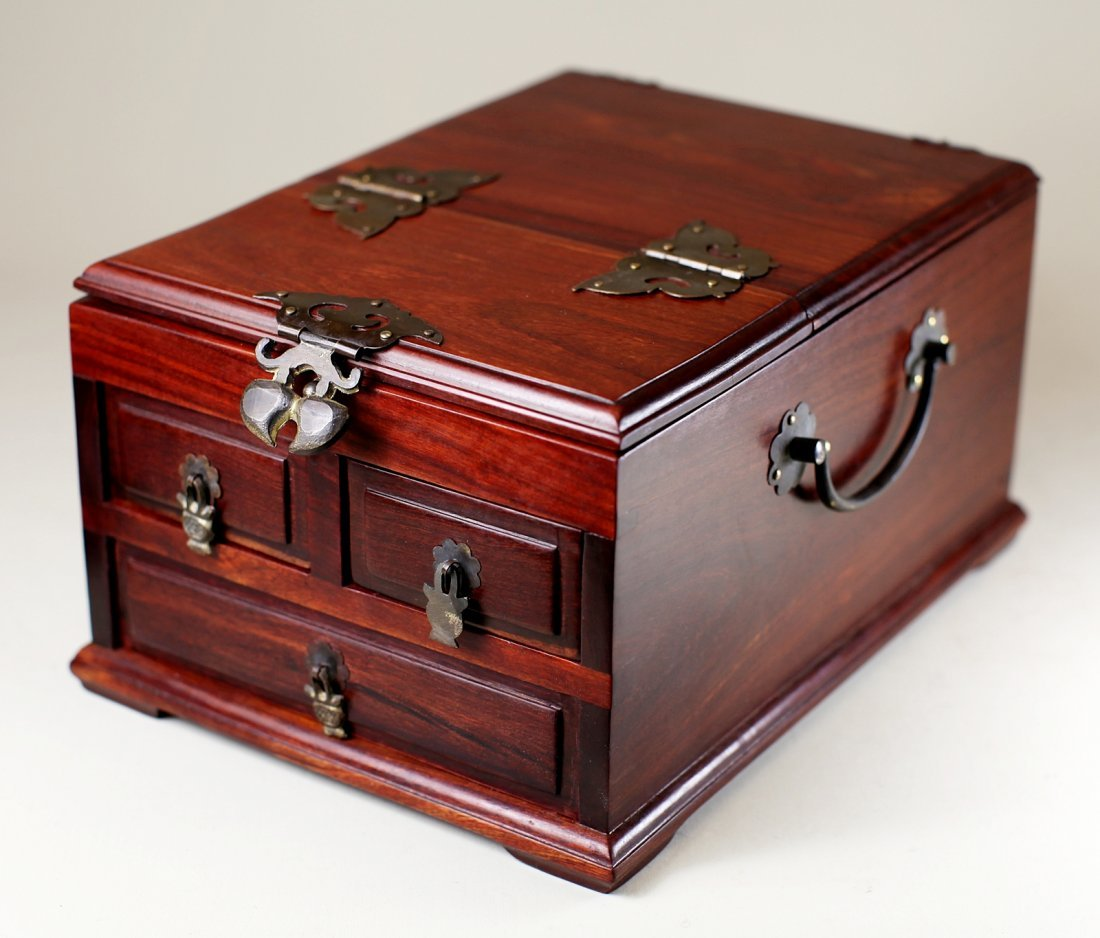 ROSEWOOD JEWELRY CASE