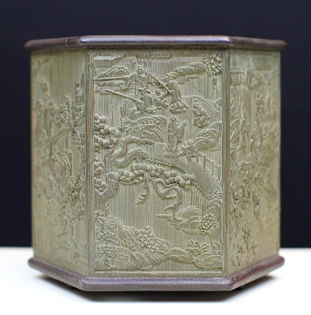 BAMBOO BRUSH POT WITH RELIEF