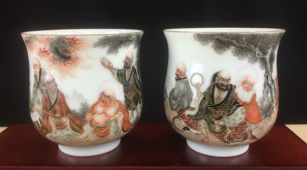 PAIR OF MASTERPIECE FAMILLE ROSE PORCELAIN CUPS