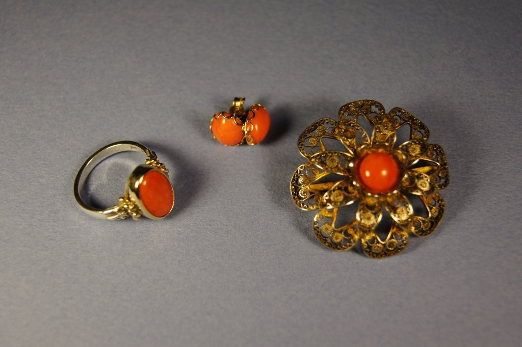 "20: Chinese ""MOMO"" red coral brooch , ring , earings"