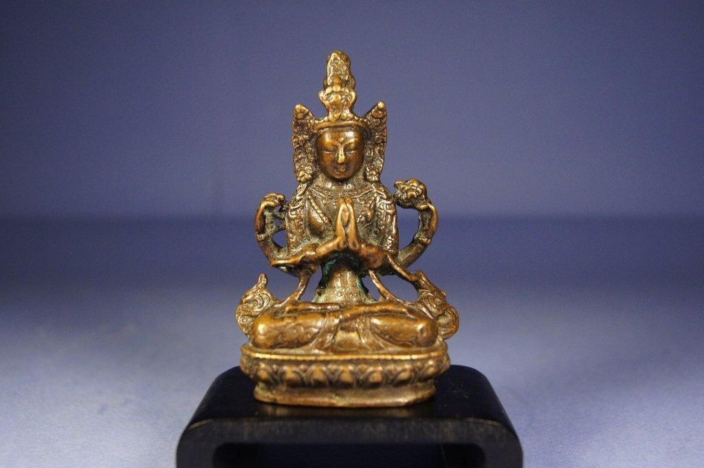 224: Chinese antique bronze Buddha statue