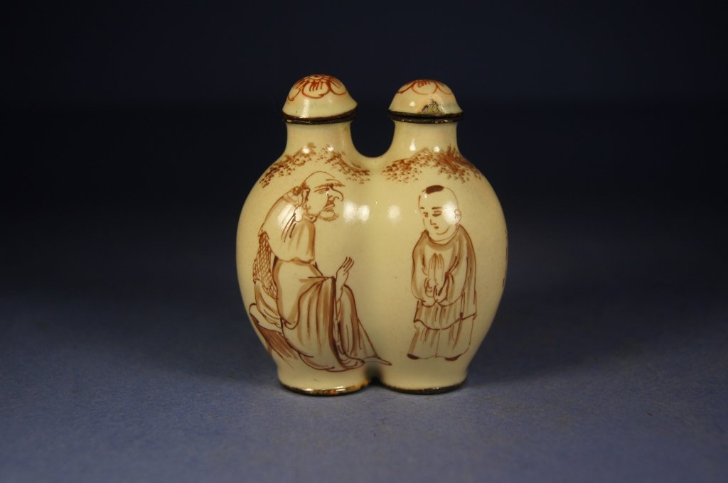 31: Chinese antique double porcelain snuff bottle