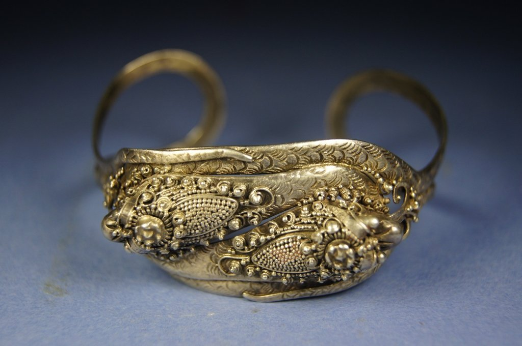 Chinese antique sterling silver bracelet