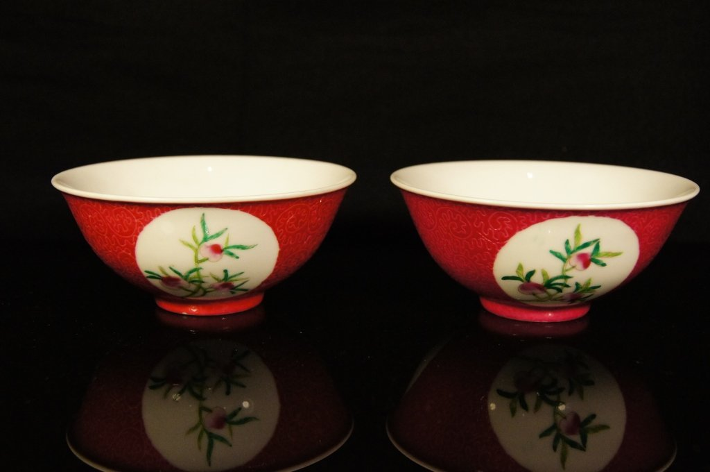 Two Chinese antique Famille Rose bowl ; 19th C