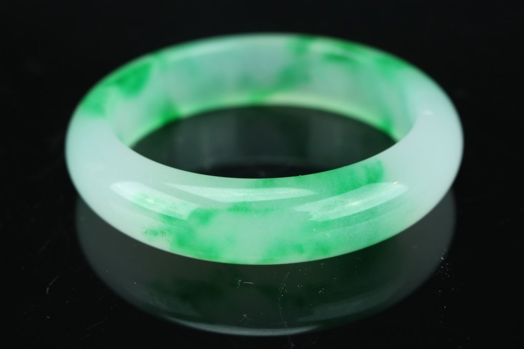 Chinese white and green  jade Bangle : D: 8.1 cm - 2