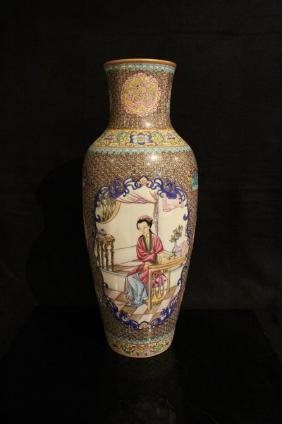 Chinese antique Famille Rose vase ; Qing