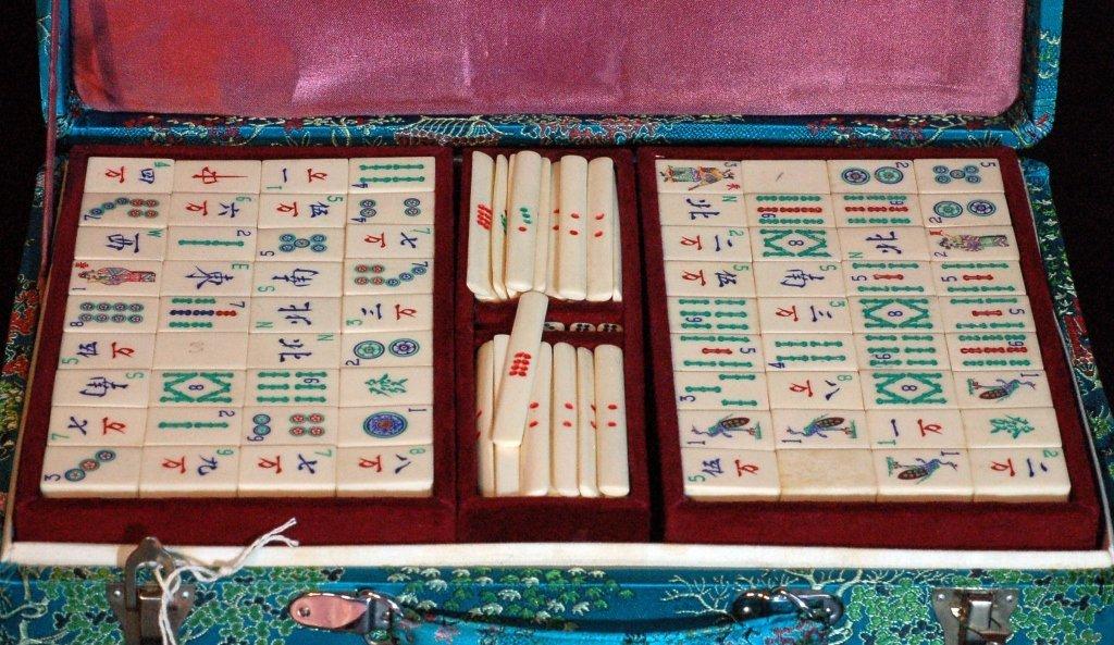 17: Mahjong Set made of Ivory & Bamboo - 2
