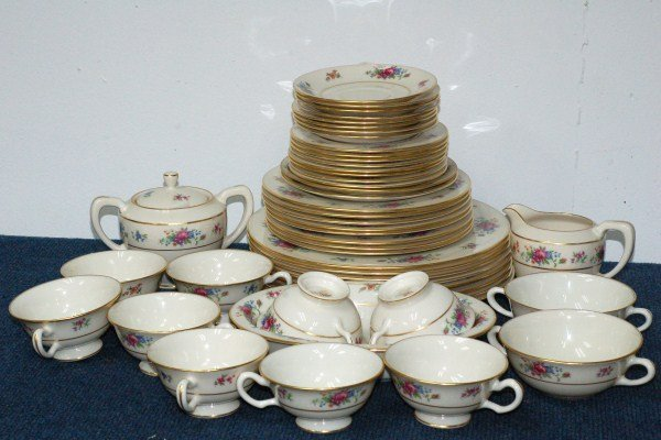 20: Lenox - Lenox Rose Set   49 pcs.