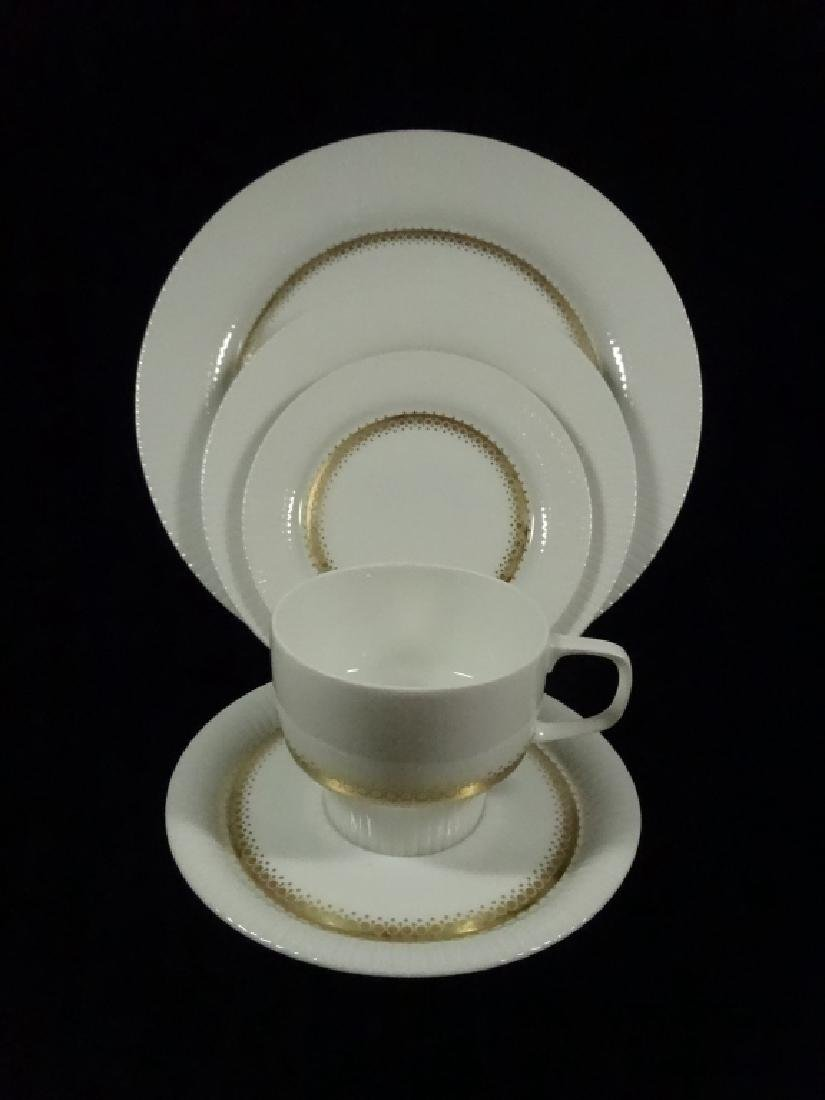 75 PC ROSENTHAL CHINA SERVICE, INCLUDES 12 PLATES, 12