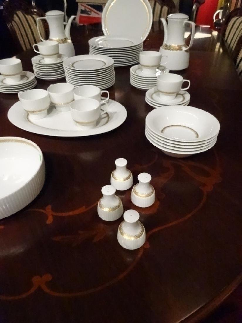 75 PC ROSENTHAL CHINA SERVICE, INCLUDES 12 PLATES, 12 - 5