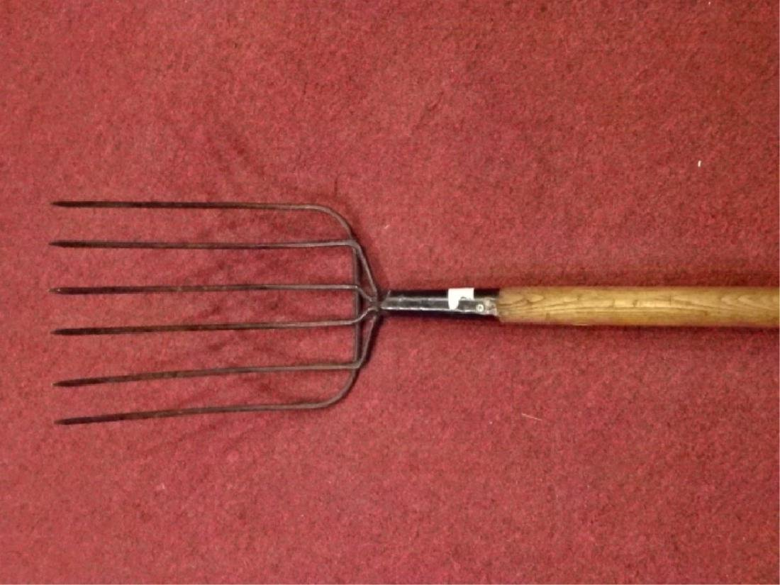 VINTAGE PRIMITIVE PITCHFORK, METAL WITH WOOD HANDLE.