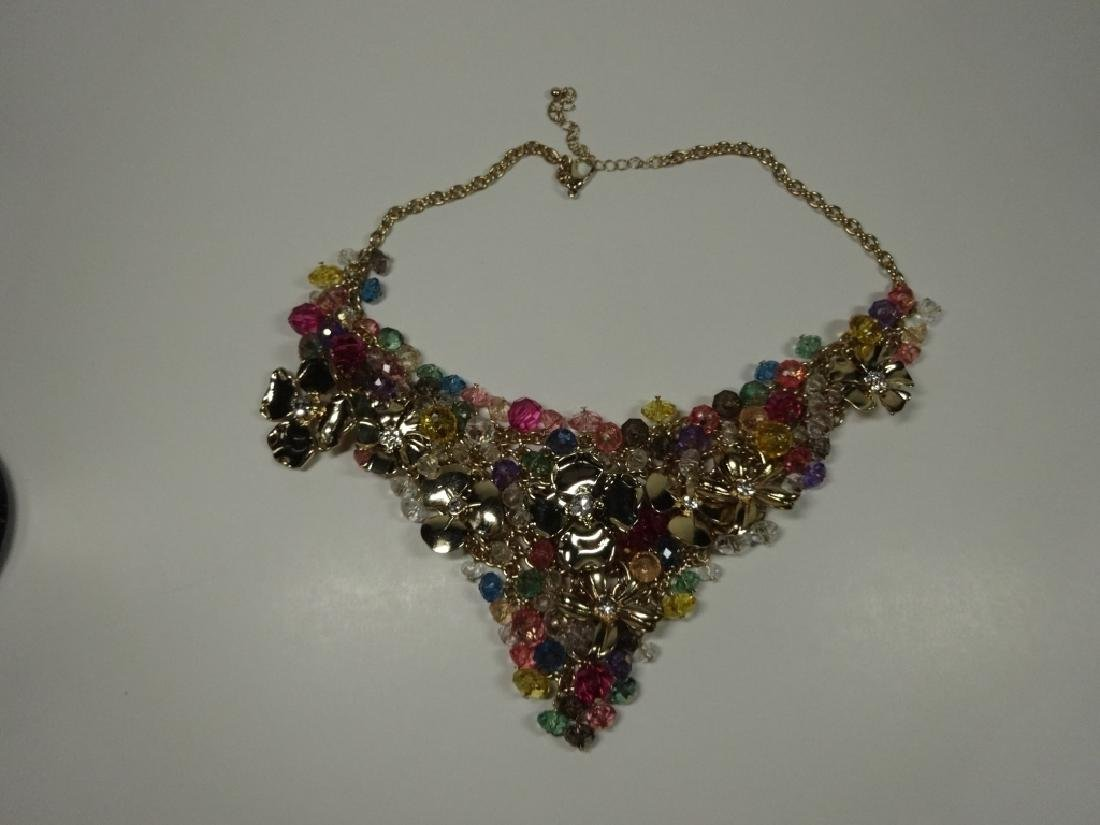 "BEAD & METAL DANGLE NECKLACE, APPROX 16.5""L WITH 3"""