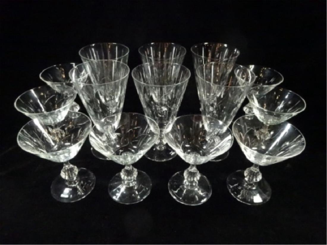 14 PC CRYSTAL GLASSES WITH LEAF DESIGN, INCLUDES 8 - 2