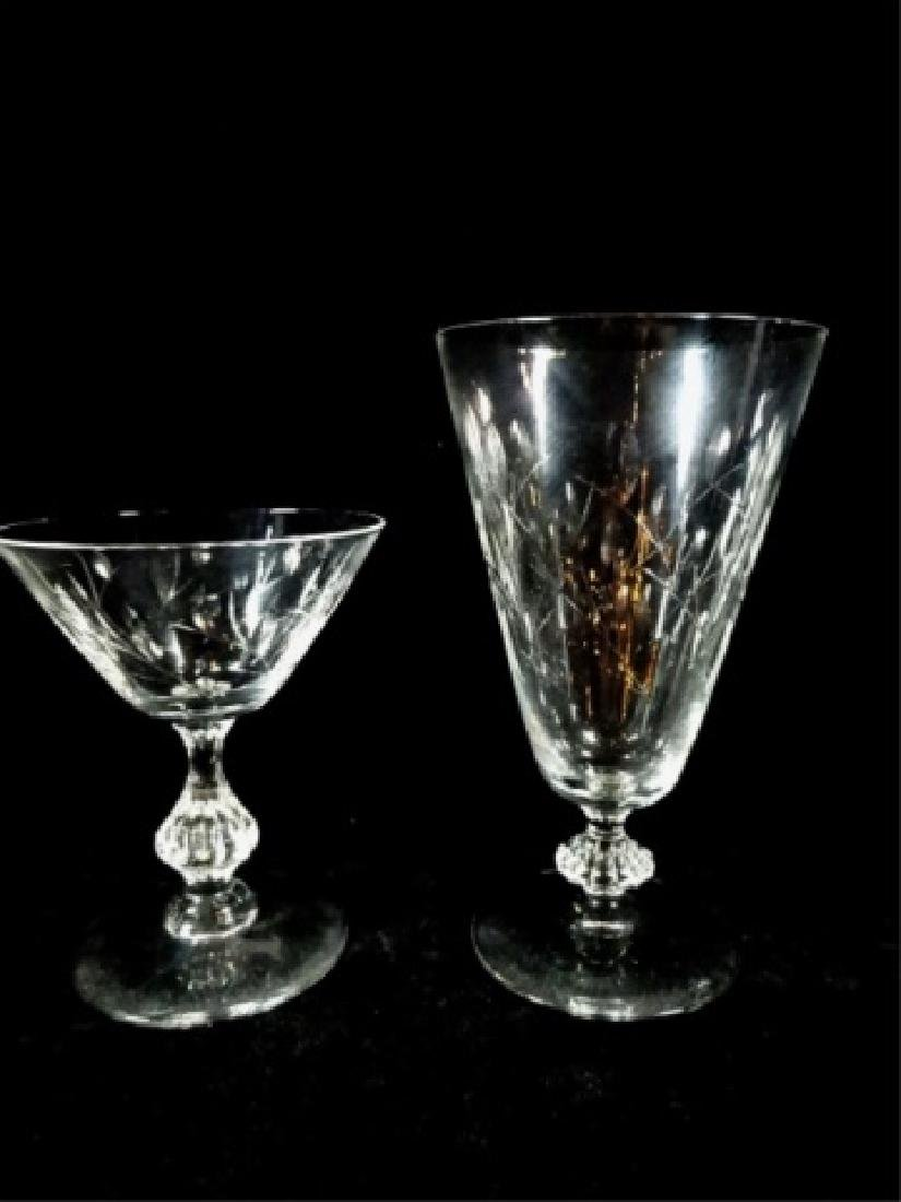 14 PC CRYSTAL GLASSES WITH LEAF DESIGN, INCLUDES 8 - 3
