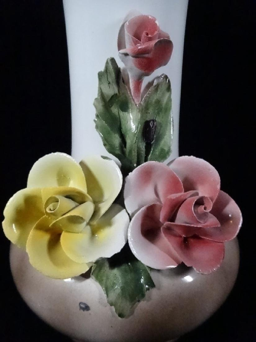 ITALIAN CAPODIMONTE PORCELAIN VASE WITH FLOWERS, WITH N - 2