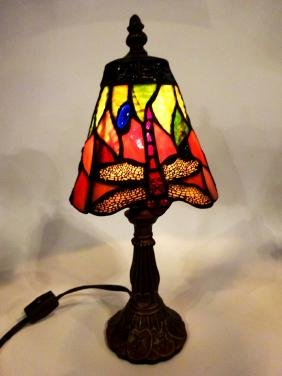 SMALL TIFFANY STYLE STAINED GLASS LAMP, DRAGONFLY