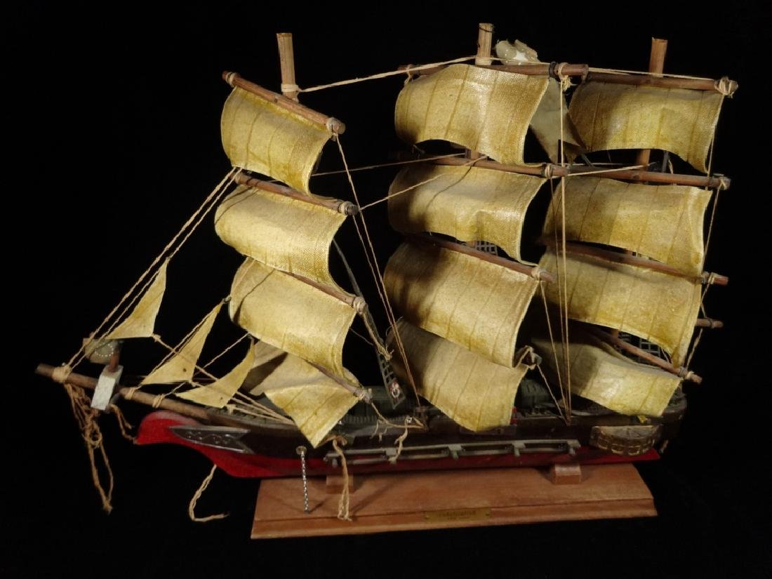 WOODEN SHIP MODEL, CONSTITUTION CIRCA 1814, WITH LABEL - 2