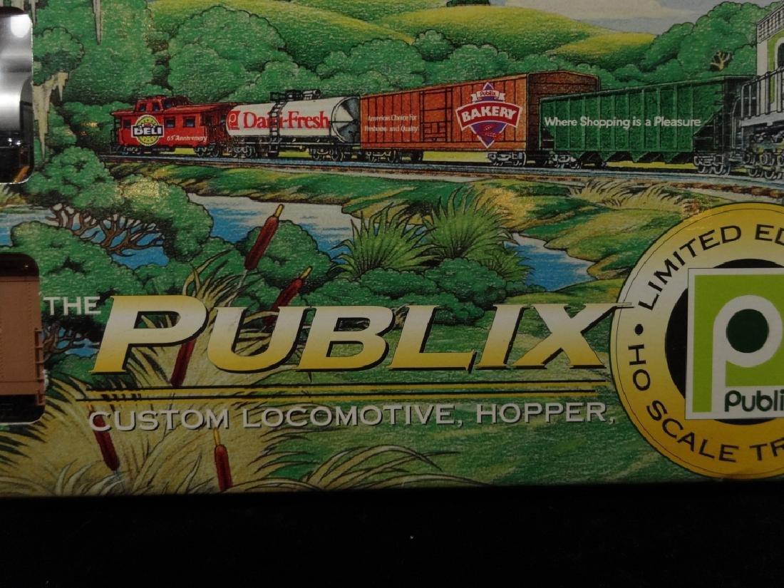 PUBLIX EXPRESS HO SCALE TRAIN SET, INCLUDES LOCOMOTIVE, - 2