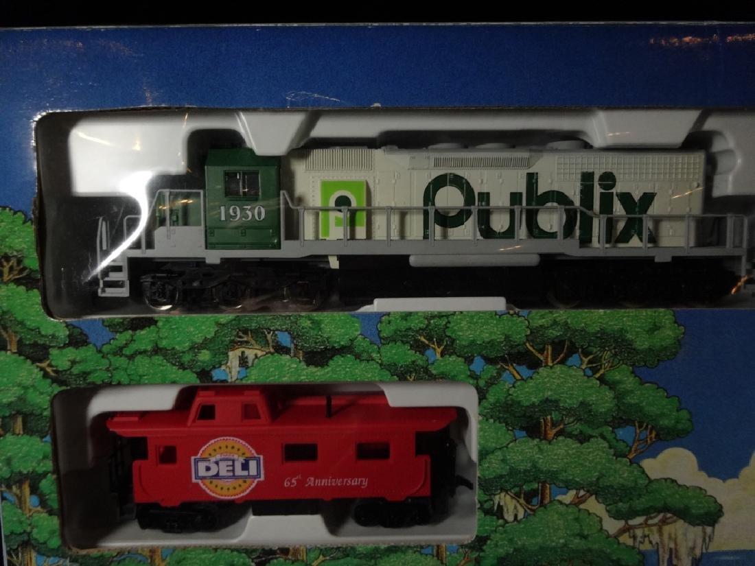 PUBLIX EXPRESS HO SCALE TRAIN SET, INCLUDES LOCOMOTIVE, - 4