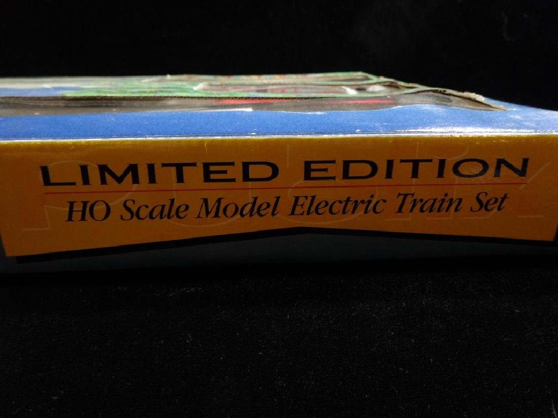 PUBLIX EXPRESS HO SCALE TRAIN SET, INCLUDES LOCOMOTIVE, - 7
