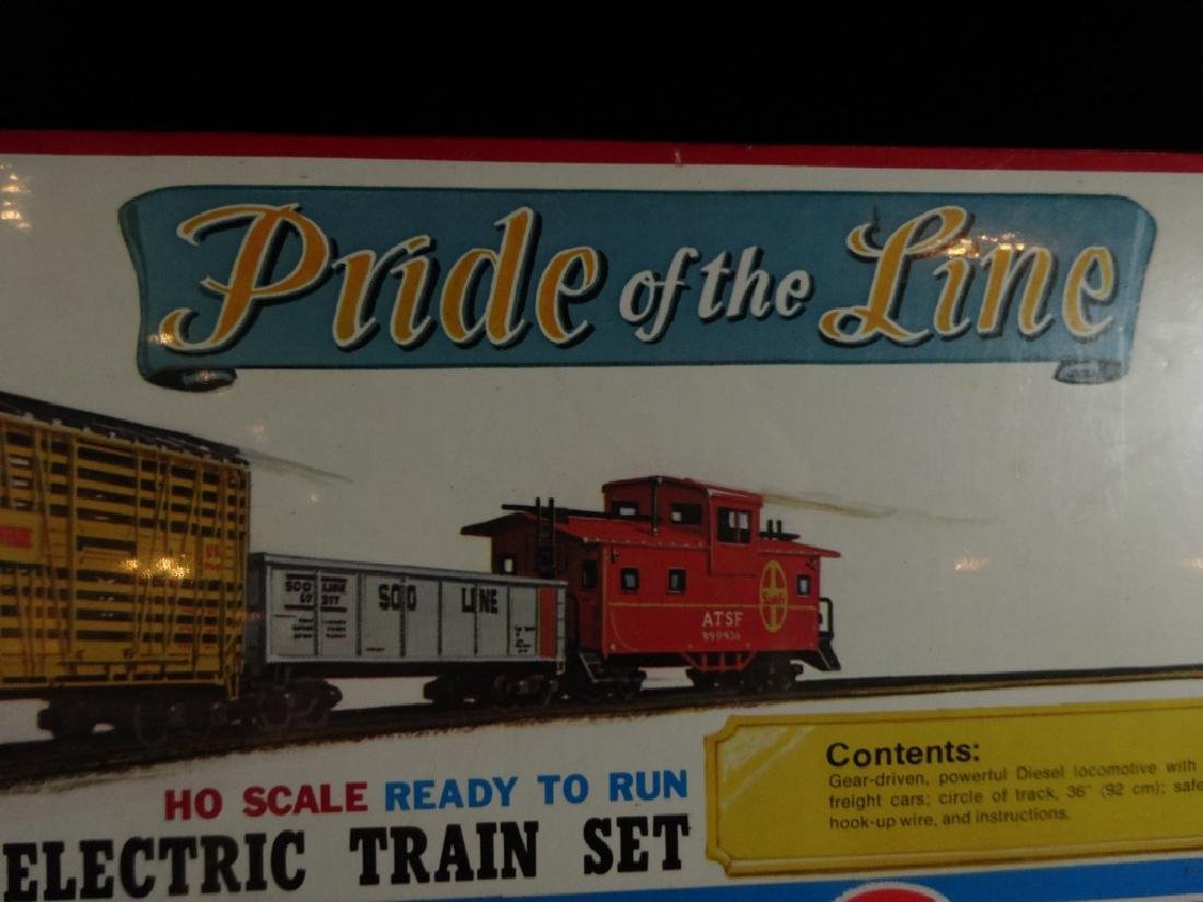 MODEL POWER HO SCALE TRAIN SET, PRIDE OF THE LINE, - 3