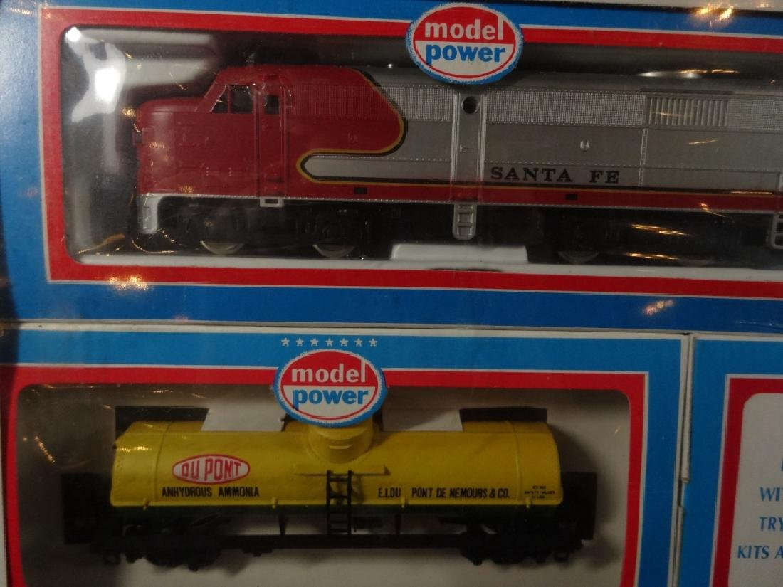 MODEL POWER HO SCALE TRAIN SET, PRIDE OF THE LINE, - 5