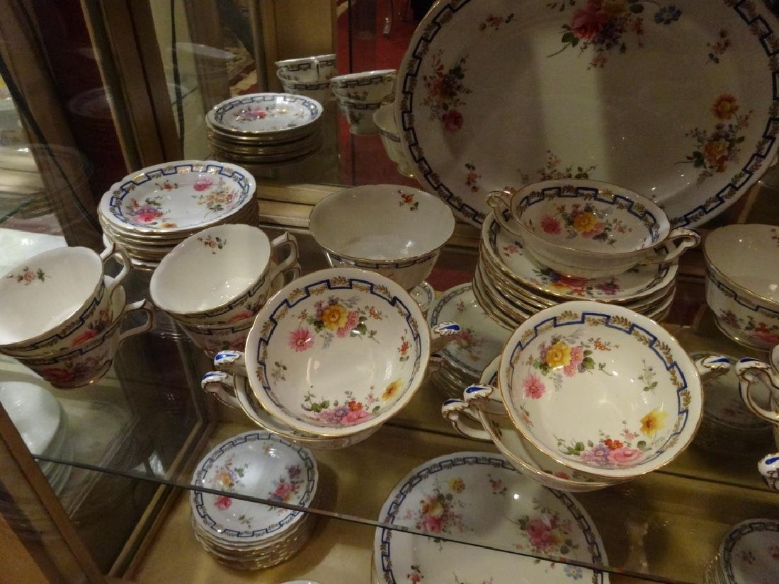 """84 PC ROYAL CROWN DERBY CHINA SERVICE, """"POSIES"""" - 7"""