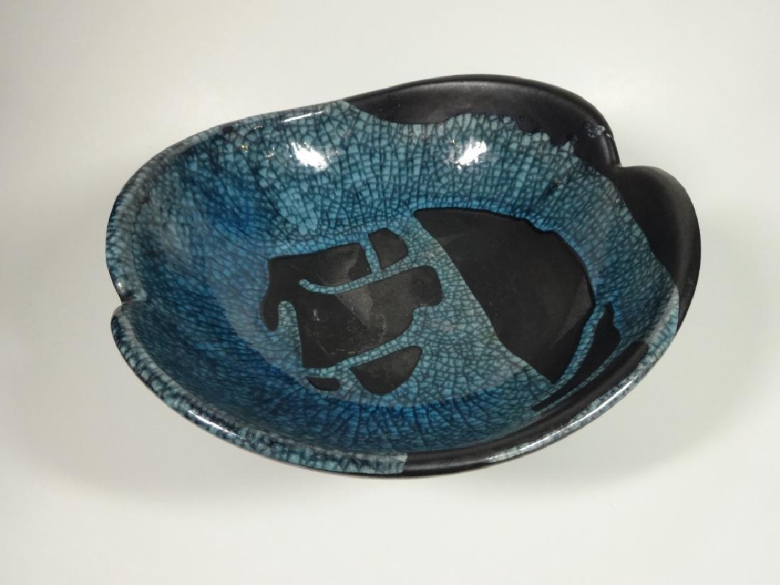 ROYAL HAEGER POTTERY PEDESTAL BOWL, BLACK WITH BLUE - 3