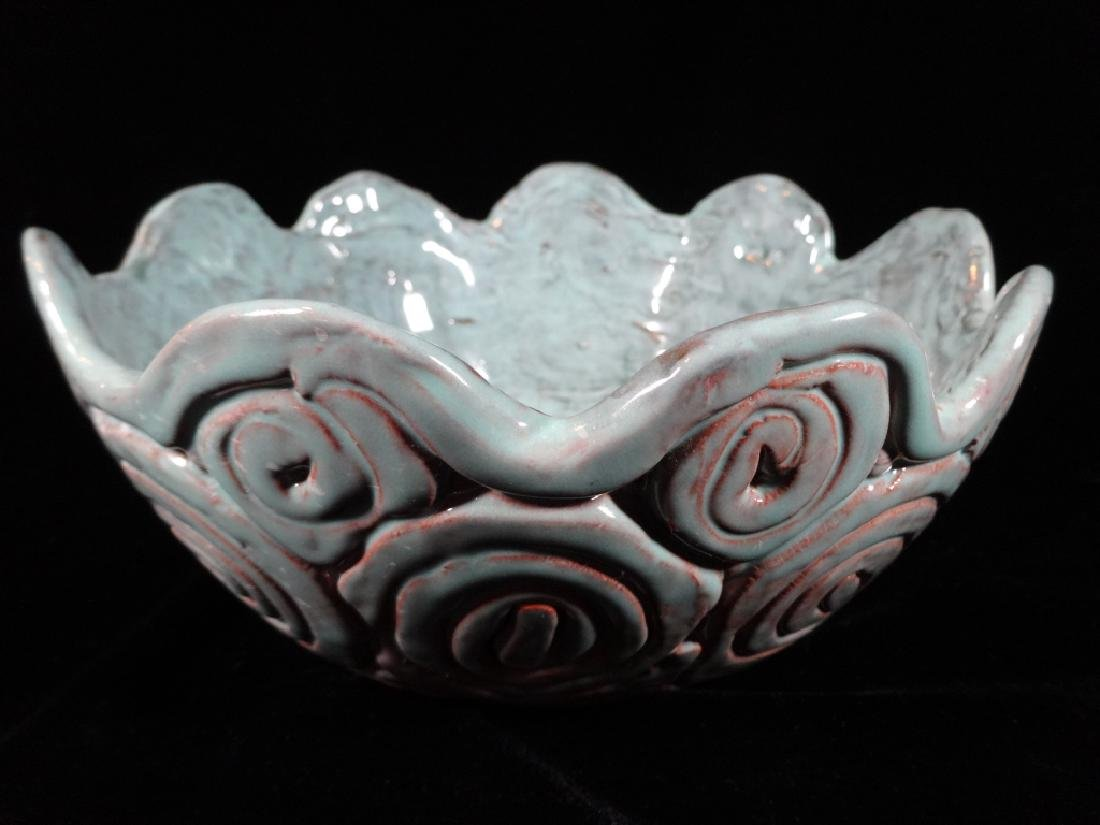 "BLUE POTTERY BOWL, VERY GOOD CONDITION, 8"" X 4"","