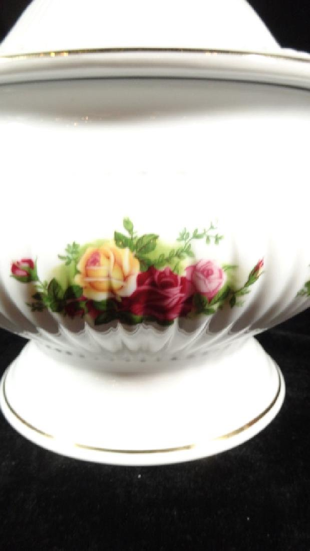 ROYAL ALBERT PORCELAIN TUREEN WITH LID AND LADLE, OLD - 2