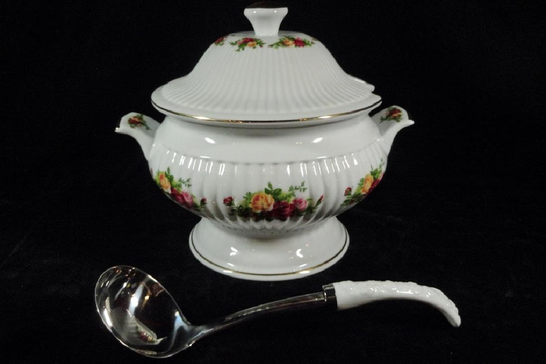 ROYAL ALBERT PORCELAIN TUREEN WITH LID AND LADLE, OLD - 4
