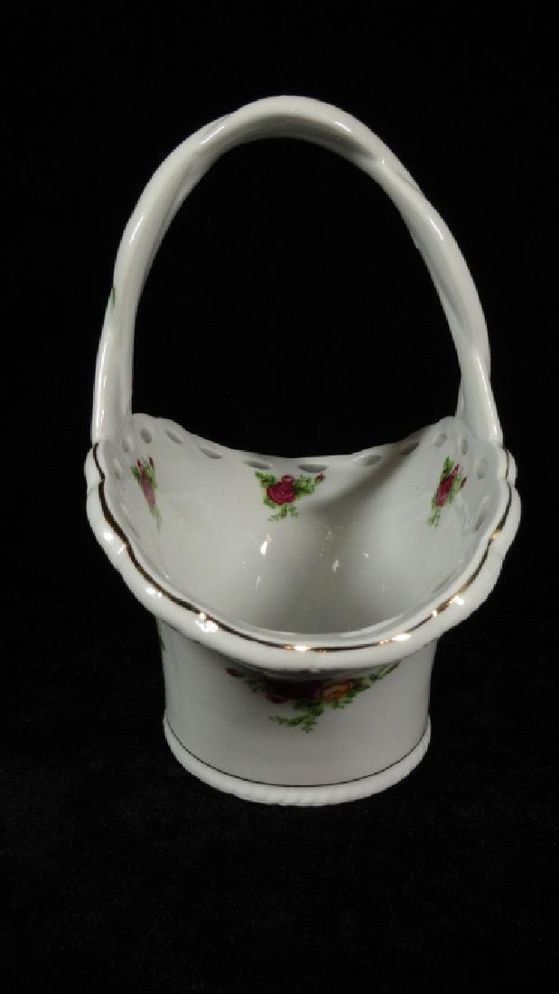 ROYAL ALBERT PORCELAIN PIERCED BASKET, OLD COUNTRY - 4