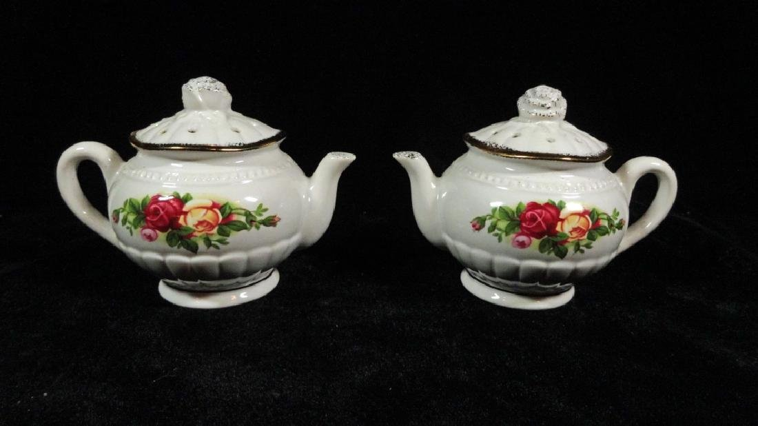 2 PC ROYAL ALBERT PORCELAIN TEAPOT FORM SALT & PEPPER
