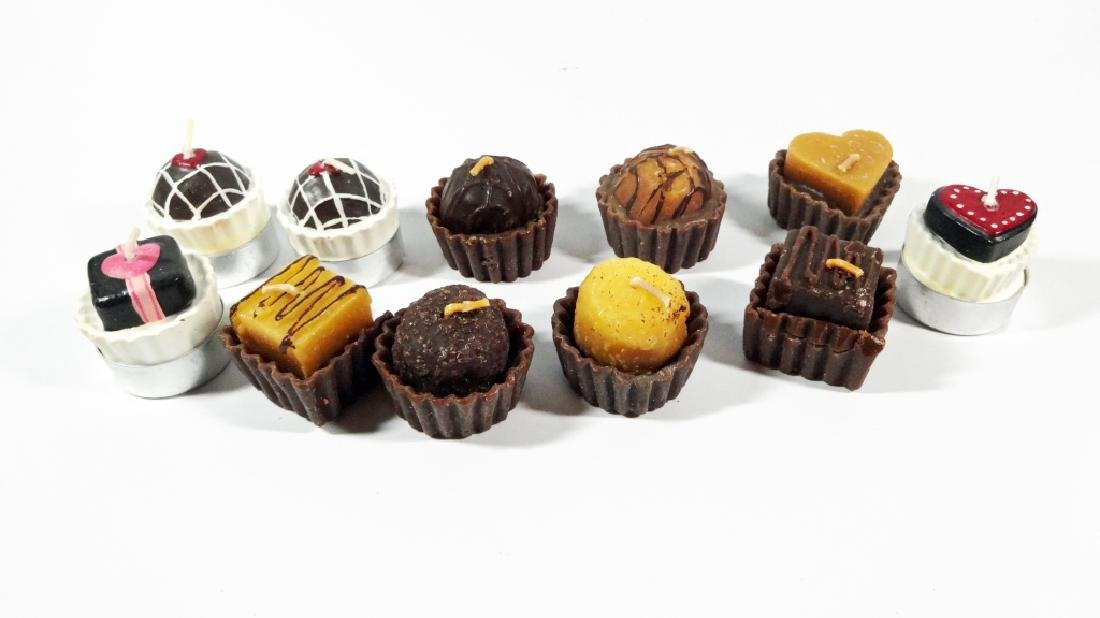 11 PC VOTIVE CANDLES IN THE FORM OF CHOCOLATE BONBONS,