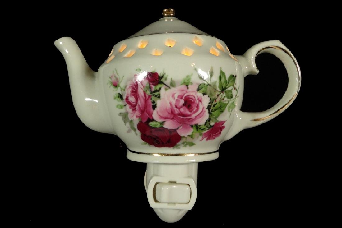 PORCELAIN NIGHTLIGHT, TEAPOT SHAPE, COUNTRY ROSES - 2