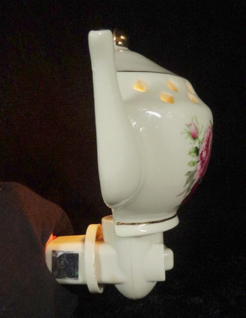 PORCELAIN NIGHTLIGHT, TEAPOT SHAPE, COUNTRY ROSES - 4
