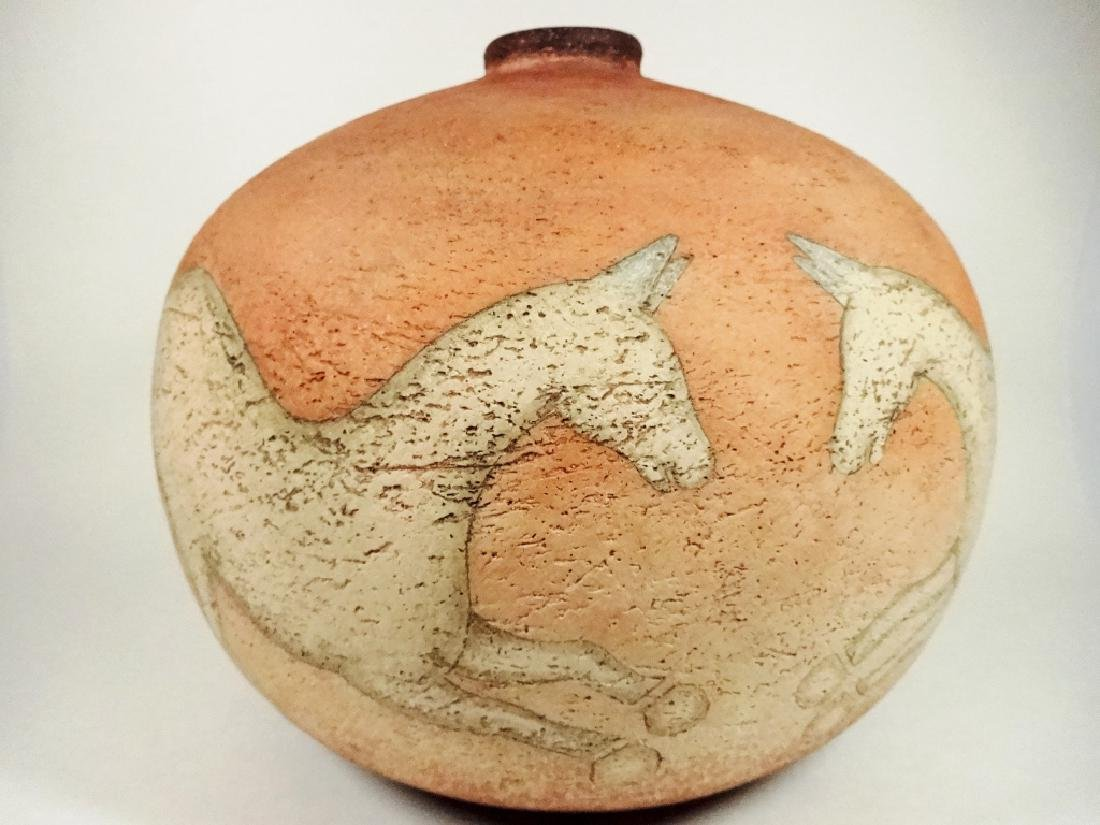 ART POTTERY POT, HORSE DESIGN, SIGNED ON BASE & DATED - 5