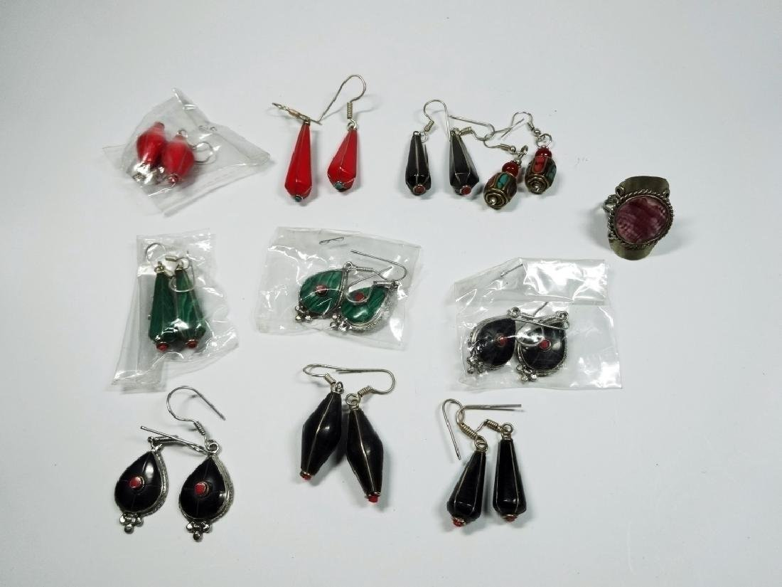 11 PC COSTUME JEWELRY, INCLUDES 10 PAIRS OF EARRINGS