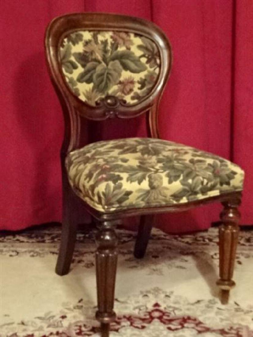 ANTIQUE PARLOR CHAIR, FLORAL UPHOLSTERED SEAT AND BACK,