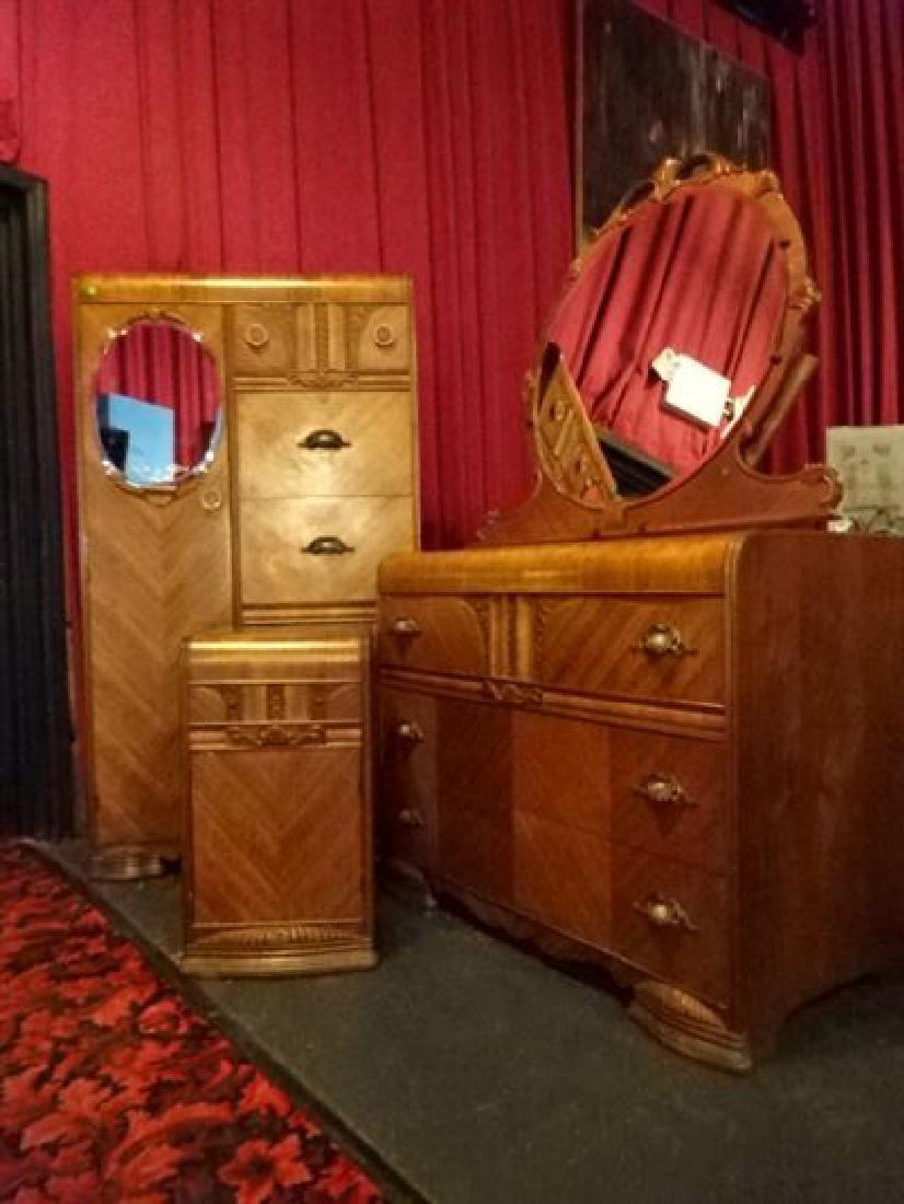 4 PC ART DECO BEDROOM, WITH DRESSER, MIRROR,