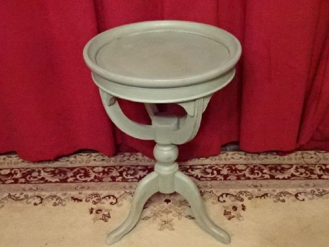 ROUND PEDESTAL TABLE, 3 LEGS, PALE BLUE PAINTED FINISH,