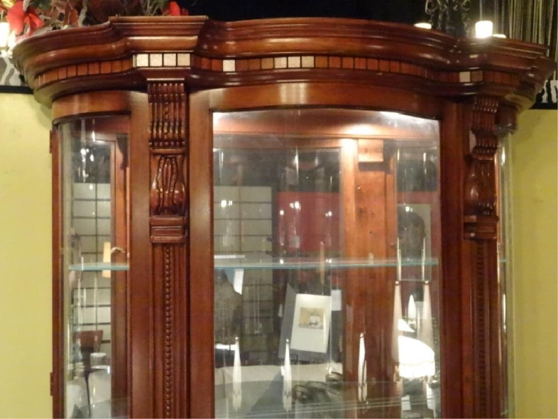 LIGHTED DISPLAY CABINET, CURVED GLASS DOORS, MIRRORED - 3